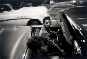 Los Angeles, 1964 © Garry Winogrand. Courtesy of Fraenkel Gallery.