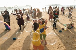 Playing bubble