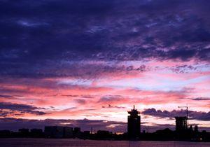 Skyline Amsterdam colours pink