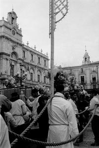Il cordone fermo in Piazza Università