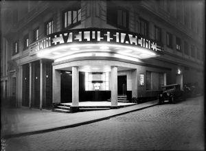 Cine Velussia, Madrid, 1933 © Luis Llado, courtesy of Museo ICO and PHoto Espana