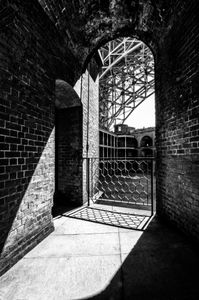 Echoing Arches, Fort Point