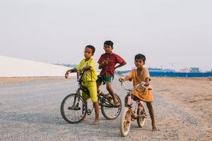 Garçons à bicyclette - Boeung Kak Lake (Phnom Penh)