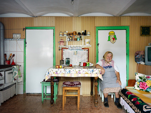 Mrs. Hudea in her kitchen, Mosna 2015