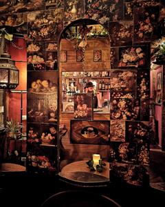 Barman at the Arts Inn, Florence Italy
