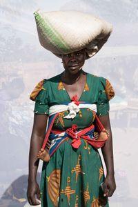 Xlamukera Irene: Sells clothes.