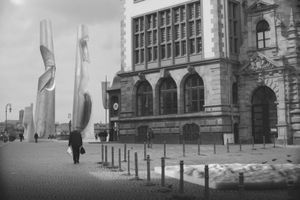 Untitled #7, (Schloßplatz, Wiesbaden, Hesse) © Hans Gindlesberger