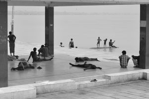 Indian rest on the banks of the Ganges