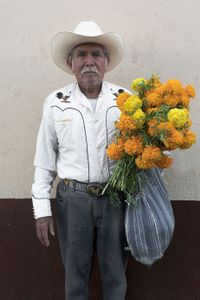 Vaquero con cempasúchil | cowboy with marigold, Monterrey Mexico