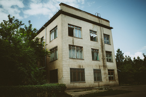 The appearance of the TB hospital building. Kherson TB hospital, August 2011.