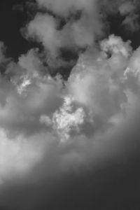 Портрет спящего в облаках Фридриха Ницше. Парейдолия