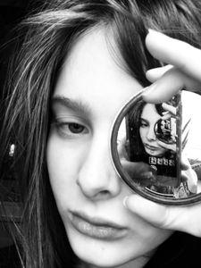 Mirror Me 1