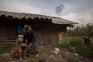 living with a volcano Ecuador