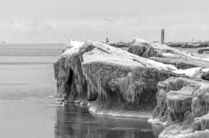 Lake Michigan creates a sculpture