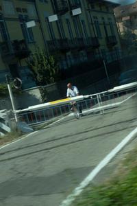09 BETWEEN - Railway crossing - Italy