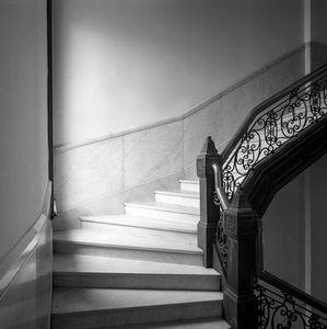 turn, central staircase