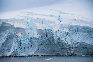Glacier crevice