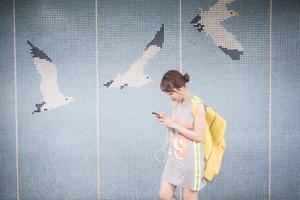 Girl and mosaic seagulls, Seoul