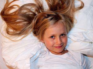 ANNEMARIE, schoolgirl,    52°32'40.32'' N, 13°25'11.65'' O