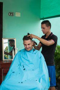 Haircut, Havana.