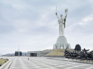 Mother of the Fatherland. Kiev, Ukraine, 62 m (203 ft). Built in1981 © Fabrice Fouillet