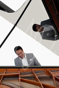 Freddie Ravel, Pianist