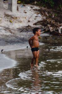 El niño y el río