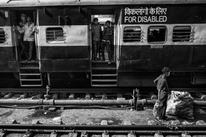 IMPRESSIONS AT THE OLD DELHI RAILWAY STATION 30