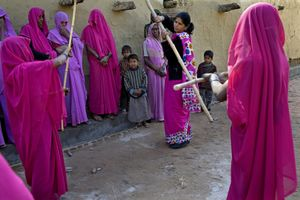 Sampat Pal Devi, Rose gang chief, is showing women how to defend themselves.