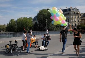 Baloons on the way to the party.