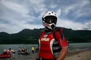 Jet ski racing on lake Gruyère. Course de jet ski motorisé sur le lac de la Gruyère.
