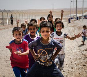 Children tease war