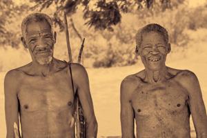 Traditional Ju/'hoansi hunters, Nambia.