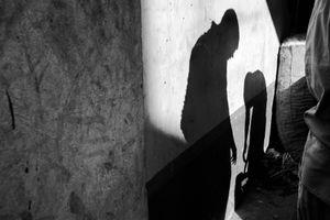 Bangladesh Market shadows