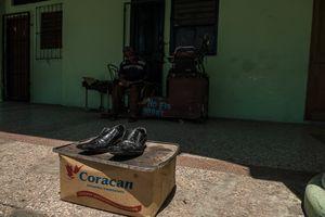 Black Shoes, Havana Centro.