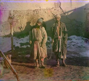 """Two Prisoners in Shackles, between 1905 and 1915 © Sergei Mikhailovich Prokudin-Gorskii, from the book """"Nostalgia"""". Images courtesy US Library of Congress and Gestalten publishers, Berlin."""