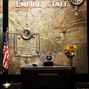 Timeless concierge, Empire State, New York, 2016