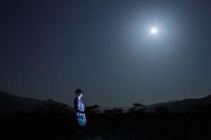 Sara and the moon