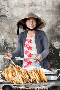Huong, food seller