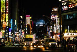 Strange sky in the night of Tokyo