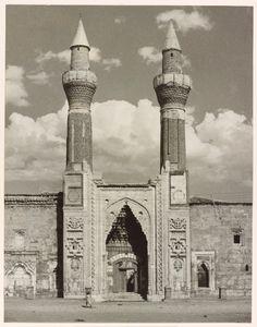 "Gök Medrese, Sivas. From the exhibition ""In Focus: Ara Guler's Anatolia"" © Ara Guler, Freer Gallery and Arthur M. Sackler Gallery Archive"