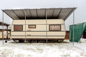 The Lake You don't See 2016 - Mesi Winter 12 Caravan