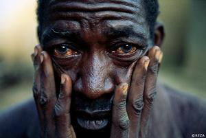 Portrait of a Hutu refugee, traumatized by the 1994 Rwandan Genocide. Rwanda. Kibuye, 1996.