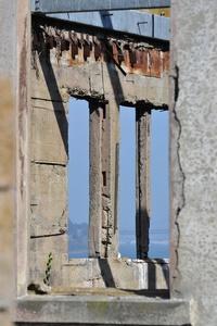 Alcatraz, Ruins