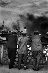 On Galata Bridge, 1956. © Ara Güler / Magnum Photos.