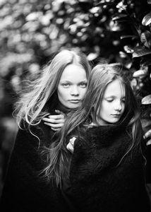 isabelle & annika