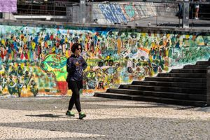 street photography and murals in Madrid