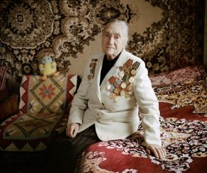 """Maria Antonovna, Zaskovichi, was in the partisan force. From the series, """"I Reminisce and Cry for Life (Women veterans of II World War in Belarus)"""" © Agnieszka Rayss. Finalist, LensCulture Exposure Awards 2013."""