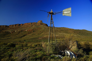 This was / This was a windmill used to pump water in the dry bush of the Great Karoo ...
