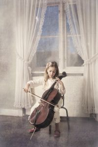 Little cellist